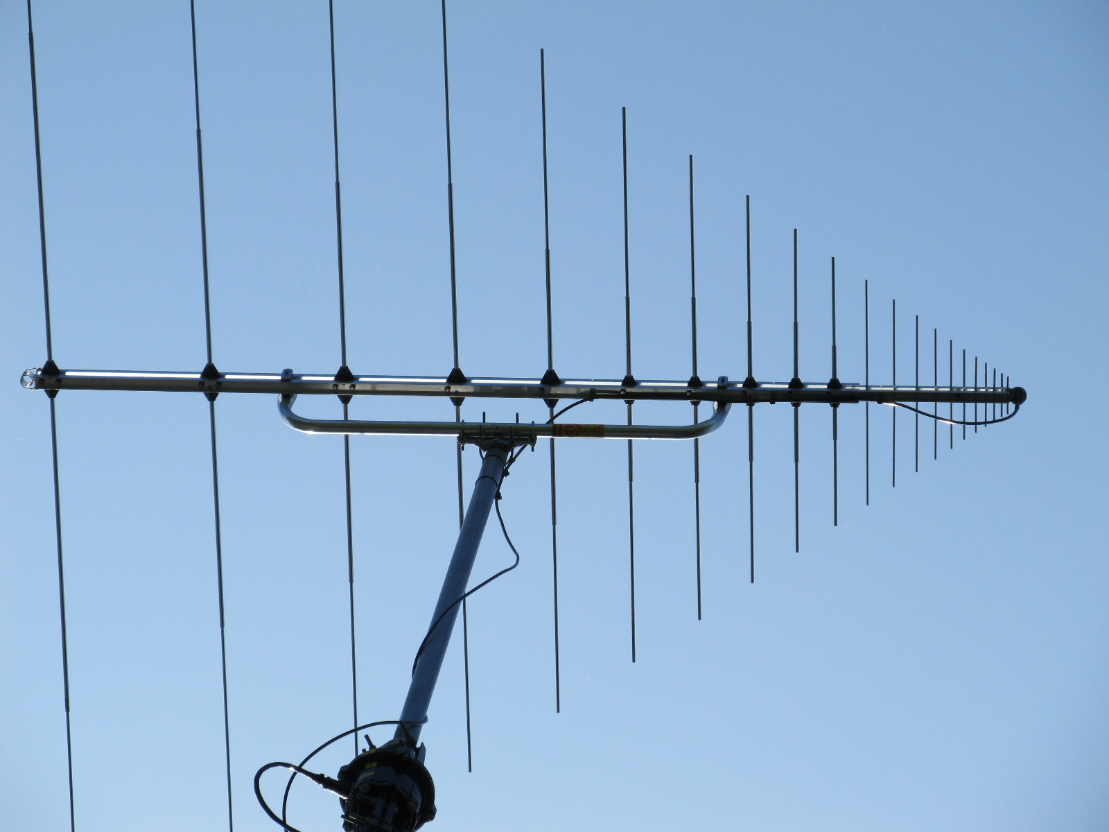 VHF-UHF Log Periodic Antenna-North